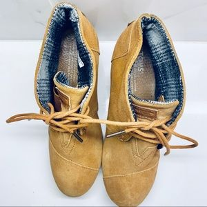 Toms Shoes - TOMS 🌵 desert wedges - camel suede